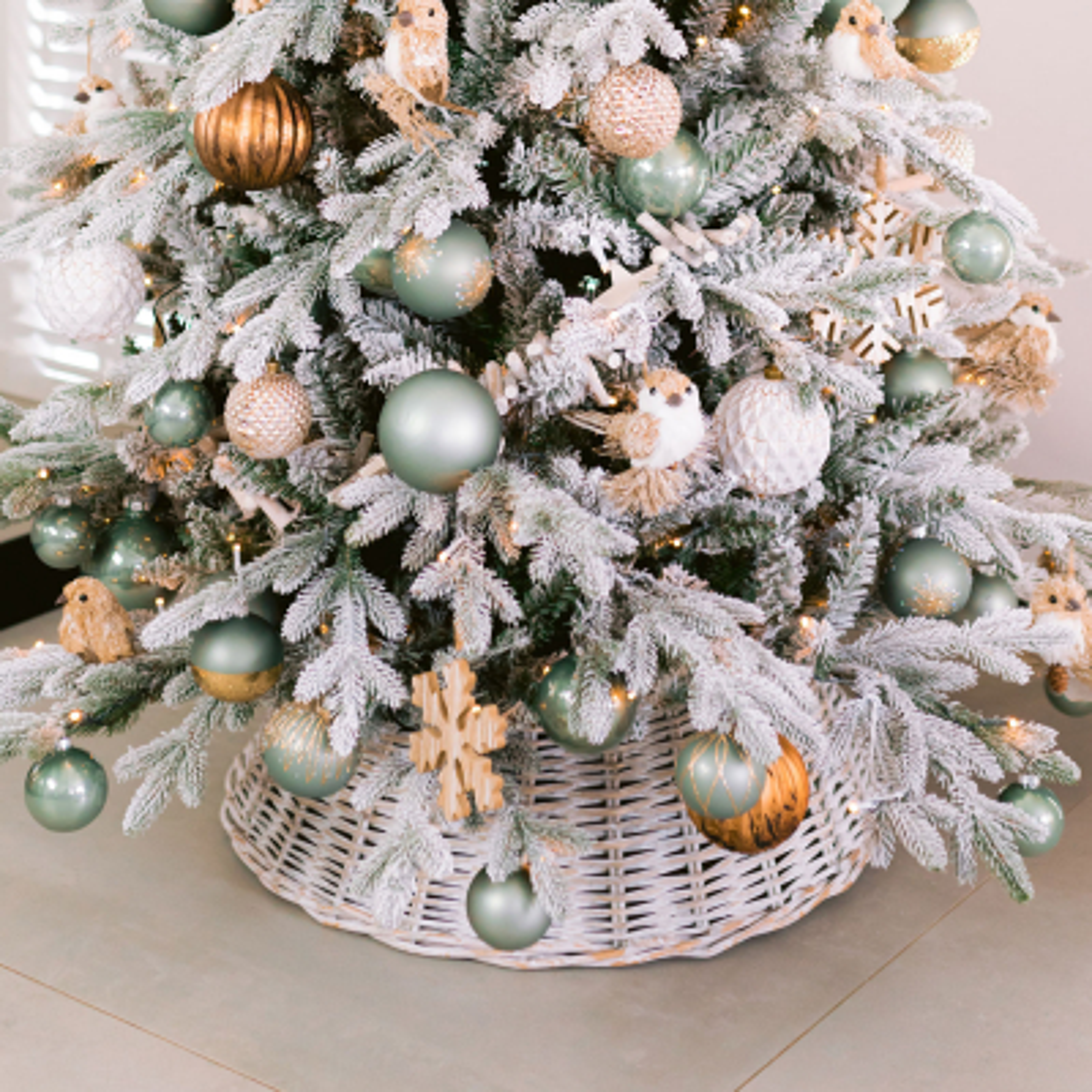 Rotan kerstboommand 61 cm whitewash